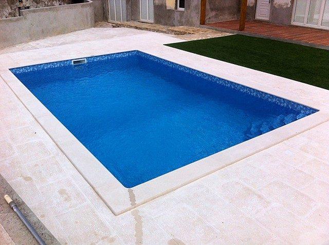 piscina77