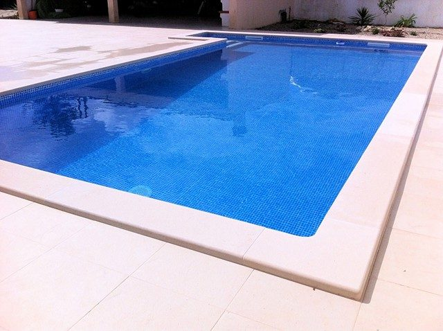 piscina79
